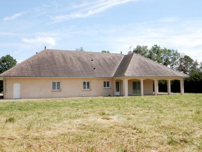 SAINT-GERMAIN-DU-BOIS (71), à vendre maison contemporaine plain-pied 180 m², terrain 5935 m², MAISON A VENDRE 180 m²