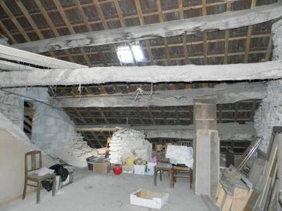 Secteur DOMBLANS (39210), à vendre maison en pierre 70 m² environ, dépendances, terrain 583 m²., COMBLES