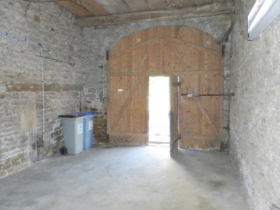 Secteur DOMBLANS (39210), à vendre maison en pierre 70 m² environ, dépendances, terrain 583 m²., GRANGE 24 m²