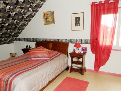 Proche BLETTERANS (39), à vendre maison rénovée 176 m², quatre chambres, terrain 2183 m²., CHAMBRE 15.50 m²