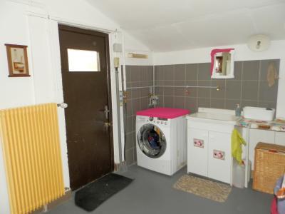 Proche BLETTERANS (39), à vendre maison rénovée 176 m², quatre chambres, terrain 2183 m²., BUANDERIE