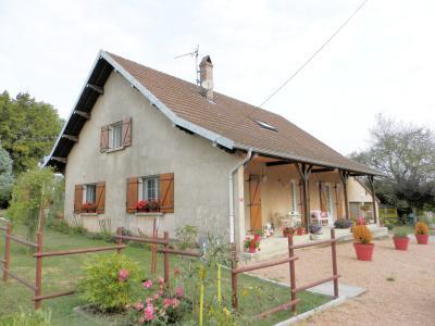 Proche BLETTERANS (39), à vendre maison rénovée 176 m², quatre chambres, terrain 2183 m²., MAISON A VENDRE 176 m²
