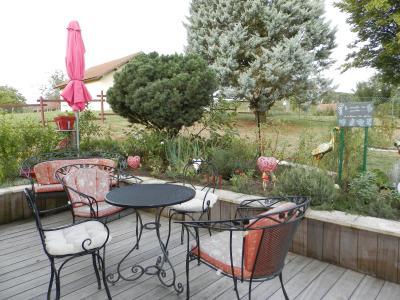 Proche BLETTERANS (39), à vendre maison rénovée 176 m², quatre chambres, terrain 2183 m²., TERRASSE
