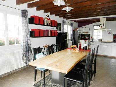Proche BLETTERANS (39), à vendre maison rénovée 176 m², quatre chambres, terrain 2183 m²., PIECE DE VIE