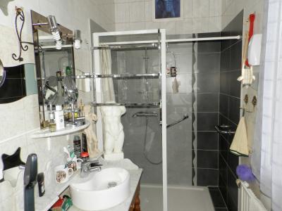 BLETTERANS centre (39), à vendre maison 80 m², garage, terrain 513 m² clos et arboré., SALLE EAU 5 m²