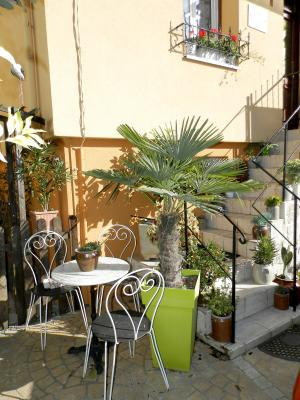 BLETTERANS centre (39), à vendre maison 80 m², garage, terrain 513 m² clos et arboré., TERRASSE (Ouest)