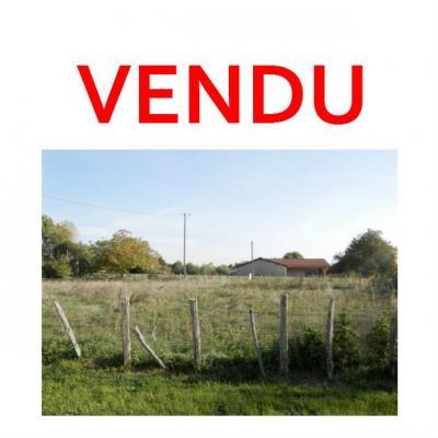 Proche BLETTERANS (39140), à vendre terrain constructible 900 m², bornage effectué.,