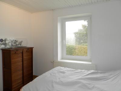 Proche LONS LE SAUNIER(39) et LOUHANS(71), à vendre maison rénovée plain-pied 100m², terrain 1038m²., CHAMBRE 10 m²