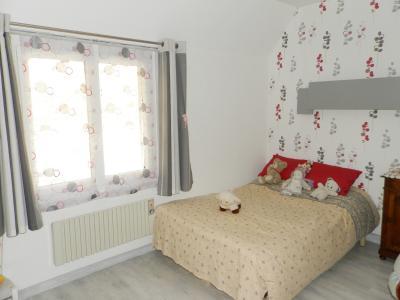 Proche ORGELET (39), à vendre maison 176 m² sur terrain 4000 m² environ avec vue, CHAMBRE 14.40 m²