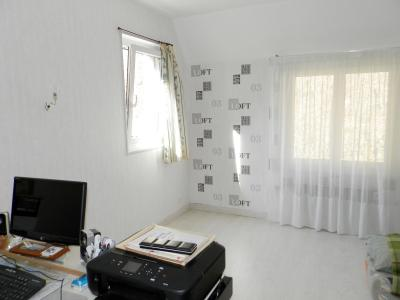 Proche ORGELET (39), à vendre maison 176 m² sur terrain 4000 m² environ avec vue, CHAMBRE (ou bureau) 10 m²