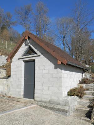 LONS-le-Saunier (Sud), à vendre maison 176 m² sur terrain 4000 m² environ avec vue, DEPENDANCE ateler et cave