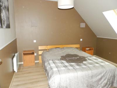 BELLEVESVRE (71), à vendre maison rénovée 143 m², dépendances, terrain environ 1.5 hectare., CHAMBRE 14.50 m²
