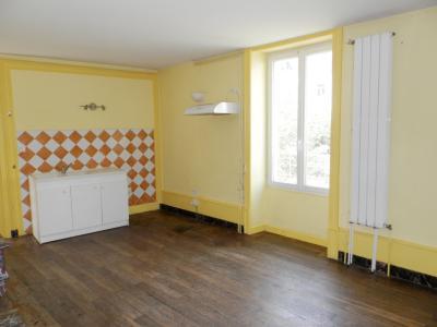 Vente SELLIERES (39), maison en pierre 134 m², terrain environ 500 m², CUISINE 19.30 m²