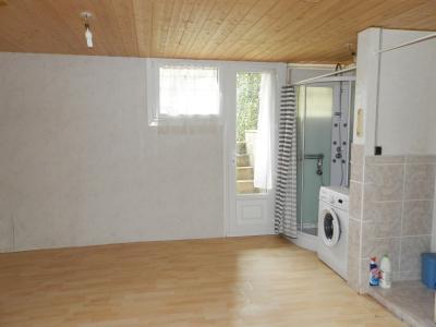 LONS LE SAUNIER (39), à vendre pavillon T2 de 35.82 m², cour et jardin privatifs., PIECE REZ 15.20 m²