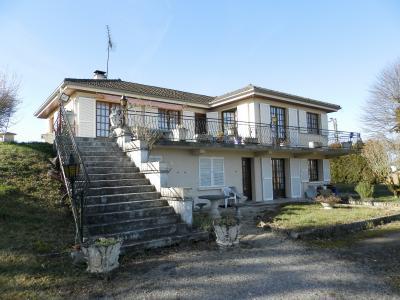 BLETTERANS (39), à vendre maison familiale 215 m², sur terrain 1284 m²., MAISON A VENDRE 215 m²
