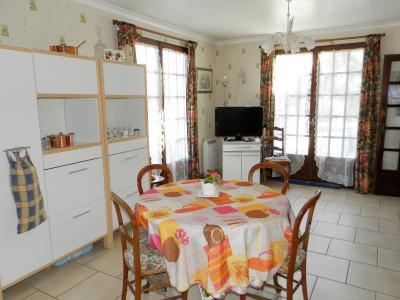 BLETTERANS (39), à vendre maison familiale 215 m², sur terrain 1284 m²., CUISINE AMENAGEE 23 m²