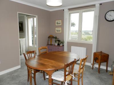 Secteur BRAINANS (39), à vendre maison 127 m² idéale passionnés équidés, terrain avec vue 14691 m²., SALON 12 m²