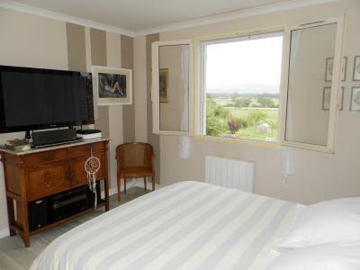 Secteur BRAINANS (39), à vendre maison 127 m² idéale passionnés équidés, terrain avec vue 14691 m²., CHAMBRE 12.50 m²