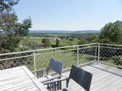 Secteur BRAINANS (39), à vendre maison 127 m² idéale passionnés équidés, terrain avec vue 14691 m²., TERRASSE 22 m² avec vue