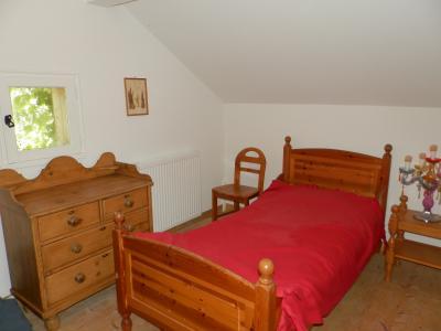Secteur DOUCIER (39130), à vendre maison-chalet 170 m², six chambres, terrain 2260 m²., CHAMBRE