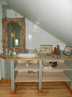 Secteur DOUCIER (39130), à vendre maison-chalet 170 m², six chambres, terrain 2260 m²., SALLE D