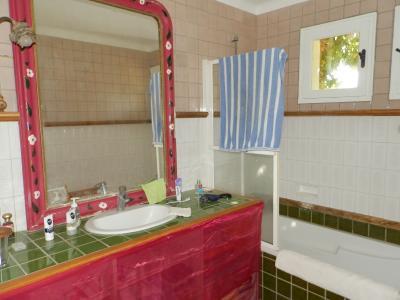 Secteur DOUCIER (39130), à vendre maison-chalet 170 m², six chambres, terrain 2260 m²., SALLE DE BAINS