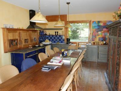 Secteur DOUCIER (39130), à vendre maison-chalet 170 m², six chambres, terrain 2260 m²., CUISINE 34 m²