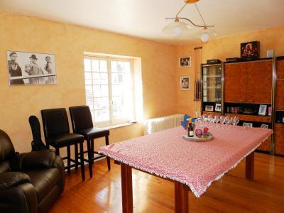 Proche BLETTERANS (39), à vendre maison de village 116 m², trois chambres, terrain 297 m²., CHAMBRE ETAGE 23 m²