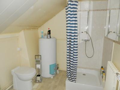 Proche BLETTERANS (39), à vendre maison de village 116 m², trois chambres, terrain 297 m²., SALLE D
