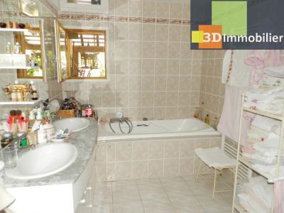 CHAUMERGY (39), vends ferme rénovée 158 m² + gite attenant 120 m², terrain 2659 m²., SDB SUITE rez de chaussée