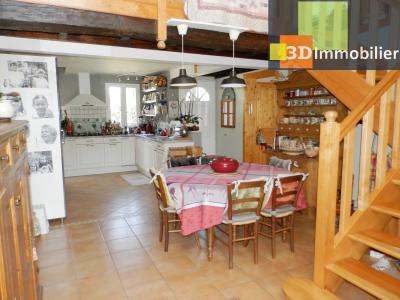 CHAUMERGY (39), vends ferme rénovée 158 m² + gite attenant 120 m², terrain 2659 m²., VUE CUISINE SEJOUR