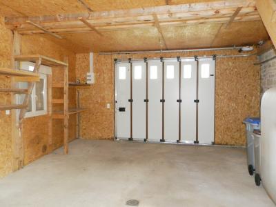 BLETTERANS (39140), maison en pierre, plain-pied 87 m², deux chambres, terrain 790 m²., GARAGE ATELIER 37 m²