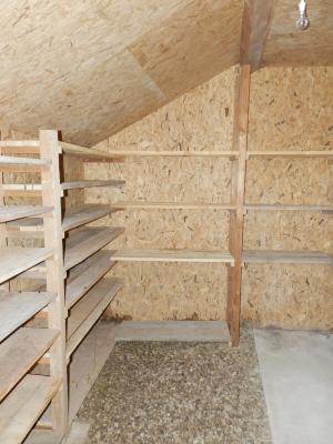 BLETTERANS (39140), maison en pierre, plain-pied 87 m², deux chambres, terrain 790 m²., CAVE 7.50 m²
