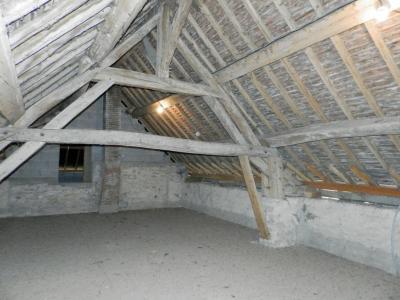 BLETTERANS (39140), maison en pierre, plain-pied 87 m², deux chambres, terrain 790 m²., GRENIER