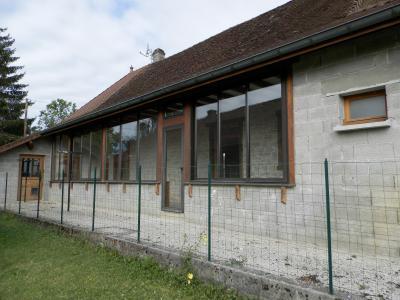 BLETTERANS (39140), maison en pierre, plain-pied 87 m², deux chambres, terrain 790 m²., EXTERIEUR