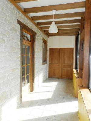 BLETTERANS (39140), maison en pierre, plain-pied 87 m², deux chambres, terrain 790 m²., VERANDA 20 m²