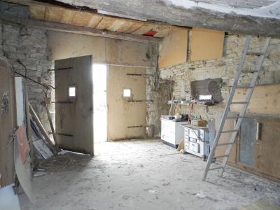LONS LE SAUNIER (Nord), maison en pierre à rénover, terrain environ 2300 m²., GRANGE