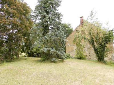 LONS LE SAUNIER (Nord), maison en pierre à rénover, terrain environ 2300 m²., VUE TERRAIN