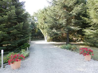 SAINT GERMAIN DU BOIS (71), maison 135 m², dépendances, piscine, calme, sur terrain 13 637 m²., ENTREE PROPRIETE