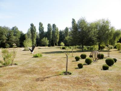SAINT GERMAIN DU BOIS (71), maison 135 m², dépendances, piscine, calme, sur terrain 13 637 m²., VUE TERRAIN