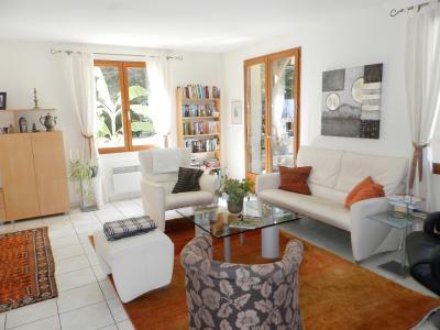 SAINT GERMAIN DU BOIS (71), maison 135 m², dépendances, piscine, calme, sur terrain 13 637 m²., PIECE DE VIE 47 m²