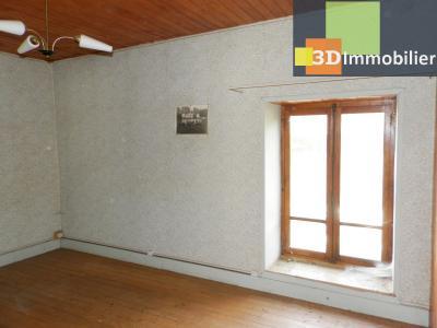 LONS LE SAUNIER nord (39), à vendre maison en pierre à rénover 79 m², dépendances, terrain 586 m², CHAMBRE 14 m²