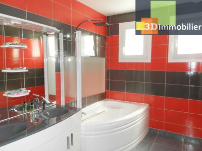 LONS-LE-SAUNIER (39), A VENDRE maison familiale 190 m², 5 chambres + bureau, garage, terrain 986 m²., SALLE DE BAINS 6.50 m²