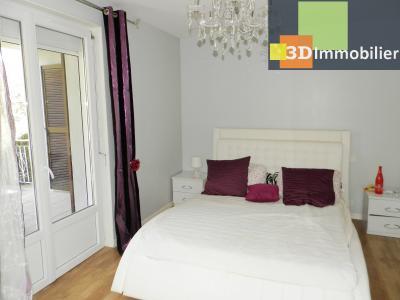 LONS-LE-SAUNIER (39), A VENDRE maison familiale 190 m², 5 chambres + bureau, garage, terrain 986 m²., CHAMBRE 14.90 m²