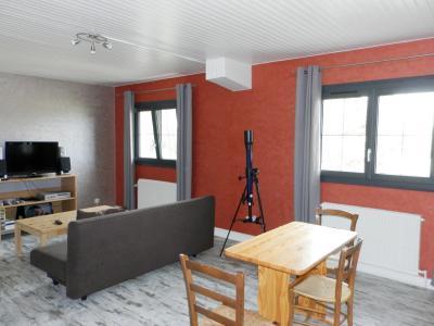 LONS LE SAUNIER (39) à 15 minutes, à vendre maison rénovée 300 m², 3 logements, terrain 13292 m²., PIECE DE VIE logement 2ème