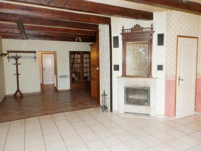 BELLEVESVRE (71), à vendre maison de village en pierre 147 m², terrain clos 285 m²., PIECE DE VIE 40 m²