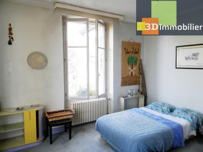 VENTE : LONS-LE-SAUNIER (JURA), A VENDRE maison de caractère 110 m², terrain 688 m², CHAMBRE 18.10 m²