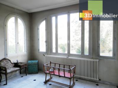 VENTE : LONS-LE-SAUNIER (JURA), A VENDRE maison de caractère 110 m², terrain 688 m², ENTREE BOW-WINDOW