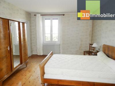 LONS-LE-SAUNIER (39 JURA), A VENDRE MAISON 125 M², DÉPENDANCES, GARAGE, TERRAIN 2151 M²., CHAMBRE 17.80 m²