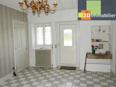 LONS-LE-SAUNIER (39 JURA), A VENDRE MAISON 125 M², DÉPENDANCES, GARAGE, TERRAIN 2151 M²., PIECE ENTREE 17.30 m²